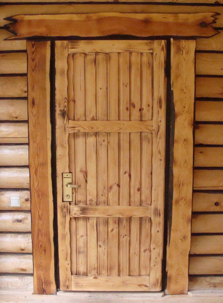 установка дверей в бане
