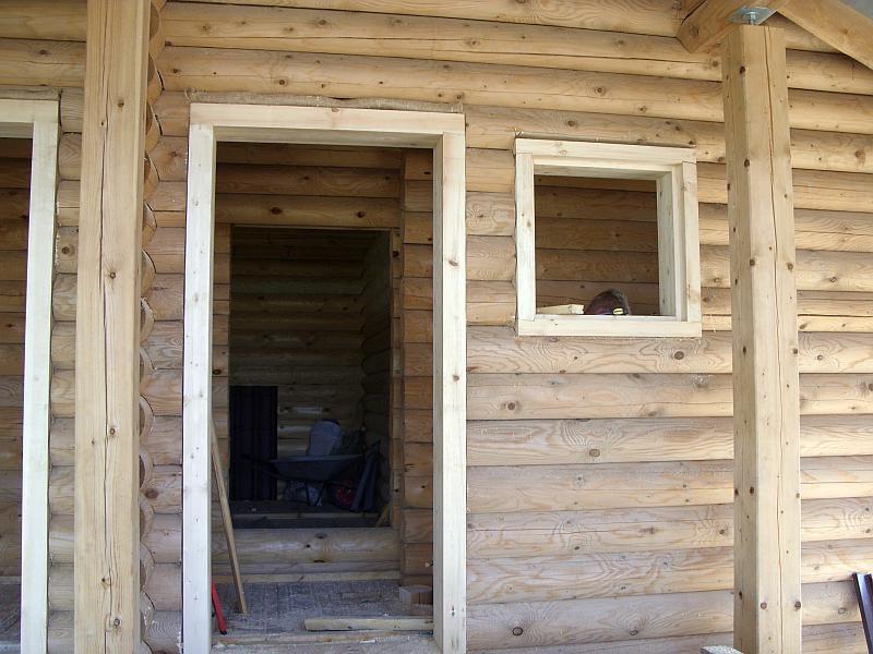 obsada-dvernyx-proemov-v-derevyannom-dome