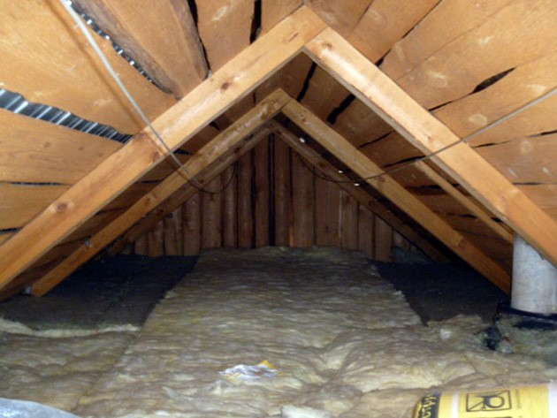 утепление деревянного потолка в бане