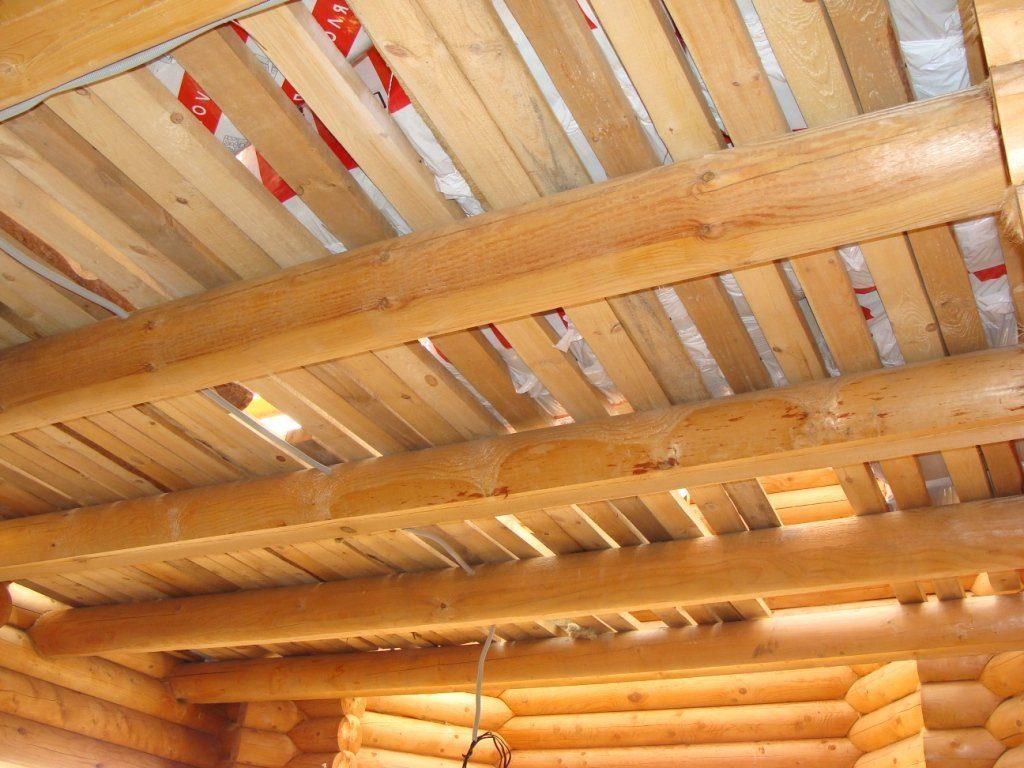 Ремонт потолка деревянного дома
